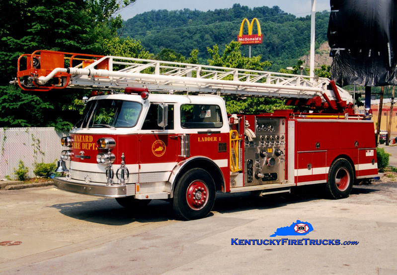 <center> RETIRED <br> Hazard Ladder 1 <br> 1979 American LaFrance Water Chief 1500/300/75' <br> Greg Stapleton photo </center>