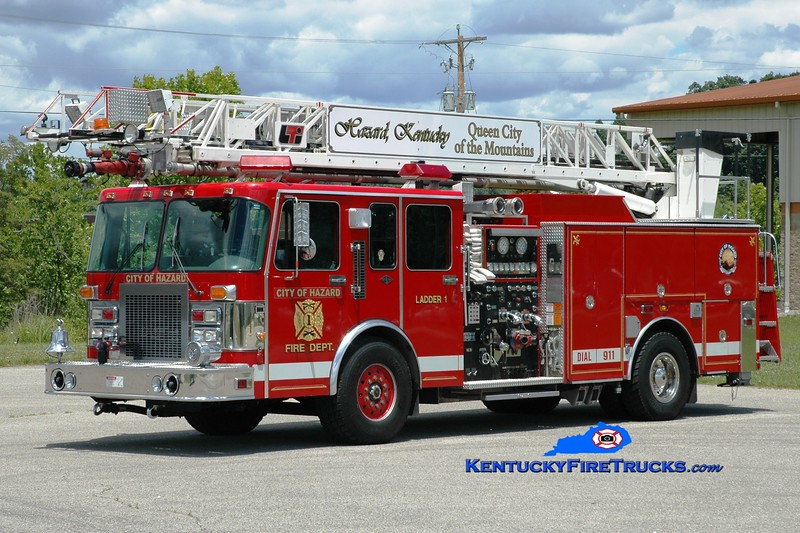 <center> Hazard Ladder 1 <br> x-Bargersville, IN <br> 1994 Spartan Gladiator/LTI 1500/500/75'  <br> Greg Stapleton photo </center>