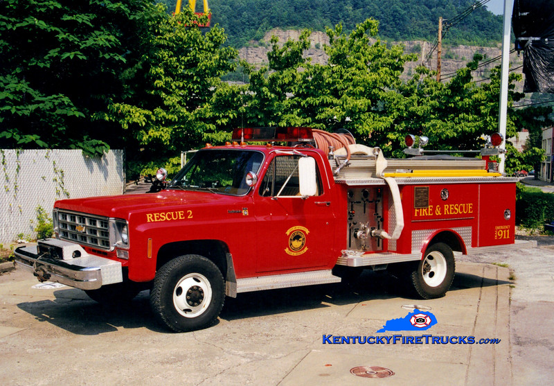<center> Hazard Rescue 2 <br> 1977 Chevy/E-One 250/250  <br> Greg Stapleton photo </center>
