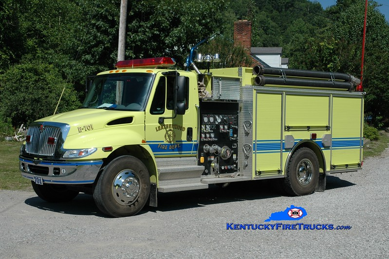 <center> Leatherwood  Engine 701 <br> 2004 International 4400/Pierce 1250/1250 <br> Greg Stapleton photo </center>