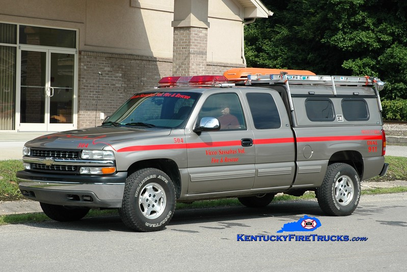 <center> RETIRED <br> Vicco-Sassafras  Rescue 504 <br> 2000 Chevy 1500 4x4 <br> Greg Stapleton photo </center>