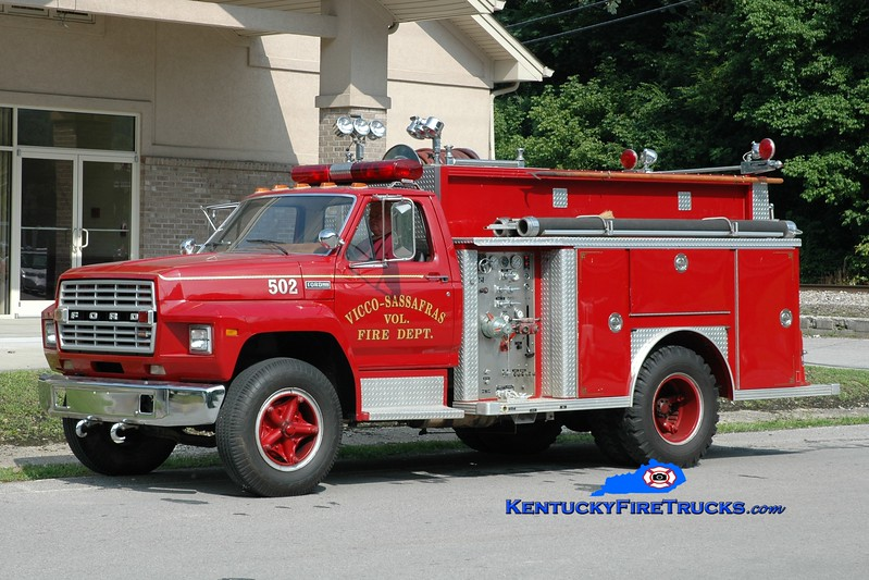 <center> Vicco-Sassafras  Engine 502 <br> 1980 Ford F/E-One 750/500 <br> Greg Stapleton photo </center>