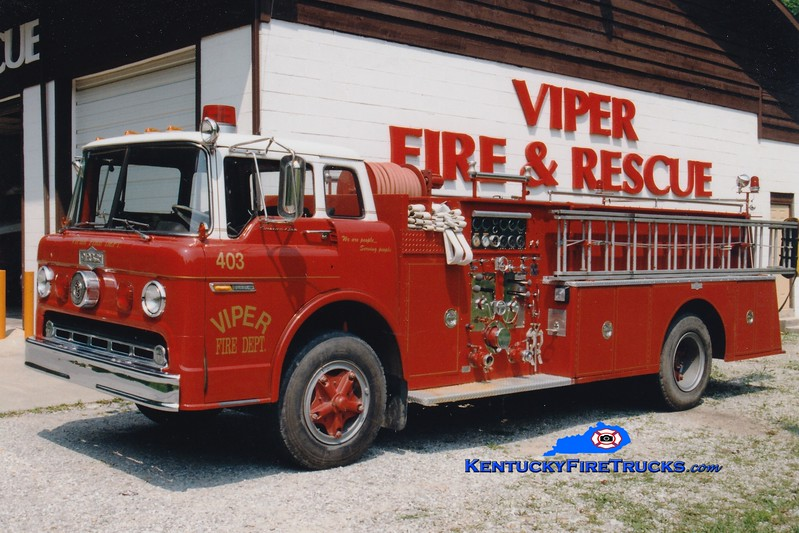 <center> RETIRED <br> Viper  Engine 403 <br> x-Winchester, KY <br> 1972 Ford C-900/Pirsch 1000/750  <br> Greg Stapleton photo </center>