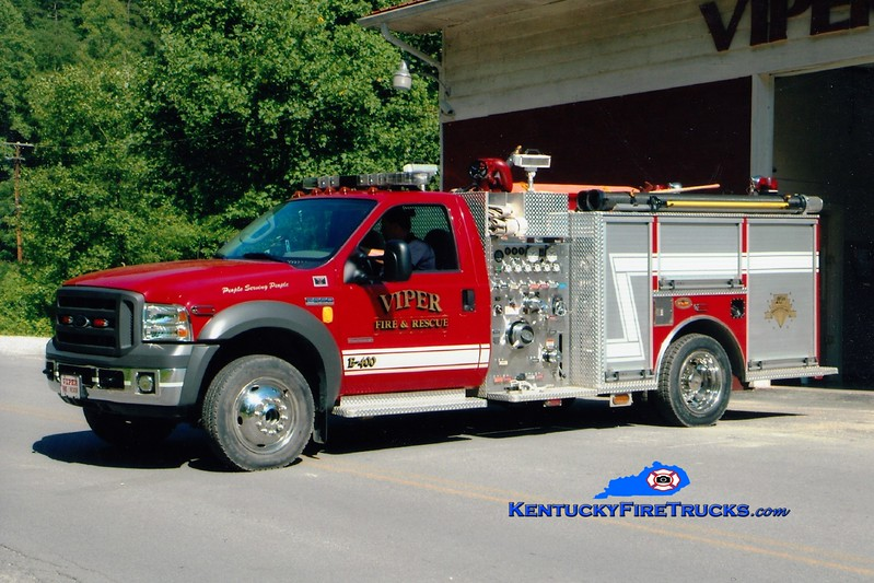 <center> Viper  Engine 400 <br> 2005 Ford F-550 4x4/KME 1000/250  <br> Greg Stapleton photo </center>
