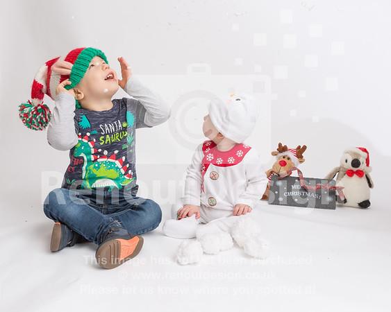 07 - Mia First Christmas