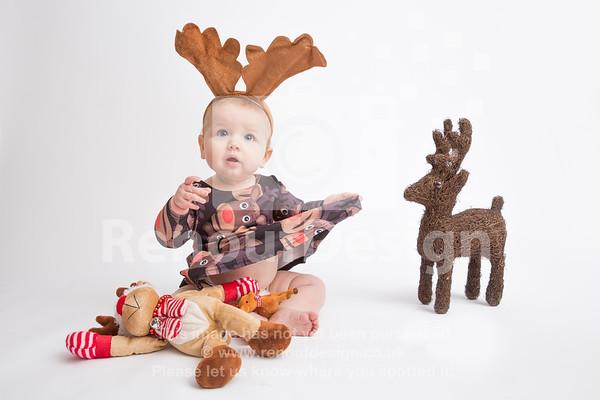 08 - Mia First Christmas