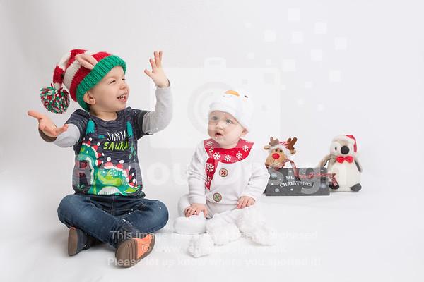 05 - Mia First Christmas