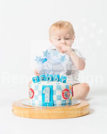 09 - Teddy's Cake Smash