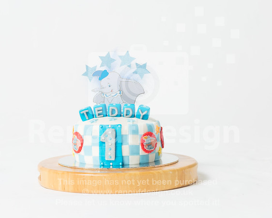 01 - Teddy's Cake Smash