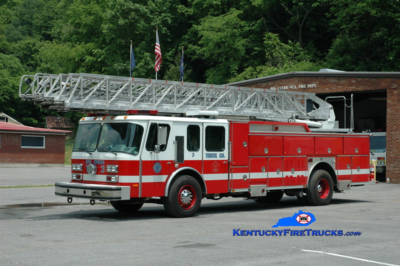 <center> Big Creek Truck 3 <br> x-Washington DC <br> 1998 E-One Hurricane 110' <br> Greg Stapleton photo </center>