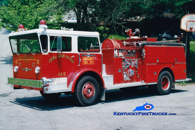 <center> RETIRED <br> Coal Run Village Engine 2  <br> x-Mentor On the Lake, OH <br> 1970 American LaFrance Pioneer 1000/300 <br> Greg Stapleton photo </center>