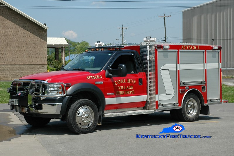 <center> Coal Run Village Attack 1  <br> 2007 Ford F-550/Wynn CAFS <br> Greg Stapleton photo </center>