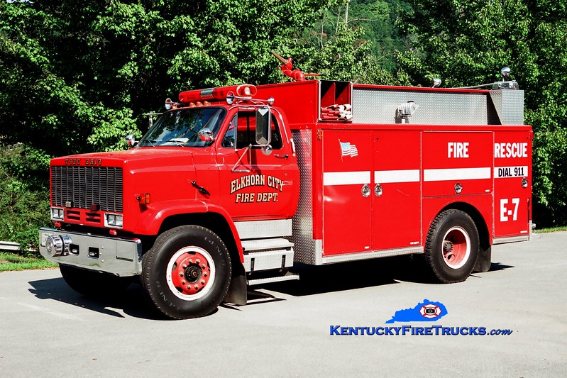 <center> RETIRED <br> Elkhorn City  Engine 7  <br> 1987 GMC TopKick/Indiana 250/500 <br> Greg Stapleton photo </center>