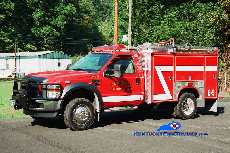 <center> Elkhorn City  Engine 5  <br> 2008 Ford F-550 4x4/Reading/Fouts Bros 250/300 <br> Greg Stapleton photo </center>