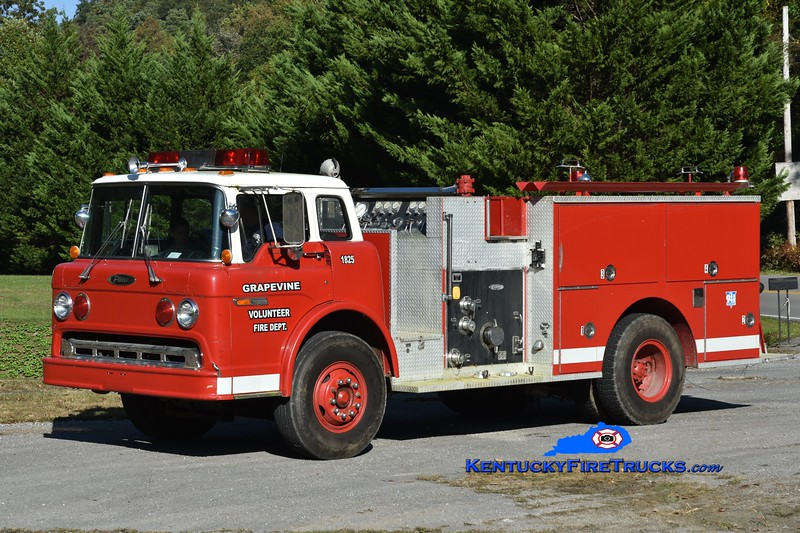 RETIRED<br /> Grapevine Engine 5<br /> x-Larkspur, CO<br /> 1985 Ford C-8000/Pierce 1000/750<br /> Greg Stapleton photo