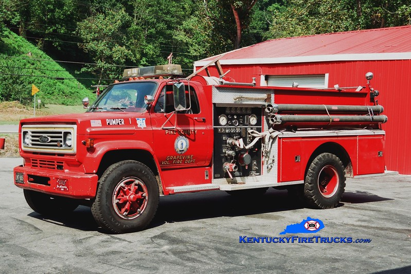 <center> RETIRED <br> Grapevine  Pumper 1  <br> 1979 Chevy C60/Pierce 1000/750 <br> Greg Stapleton photo </center>
