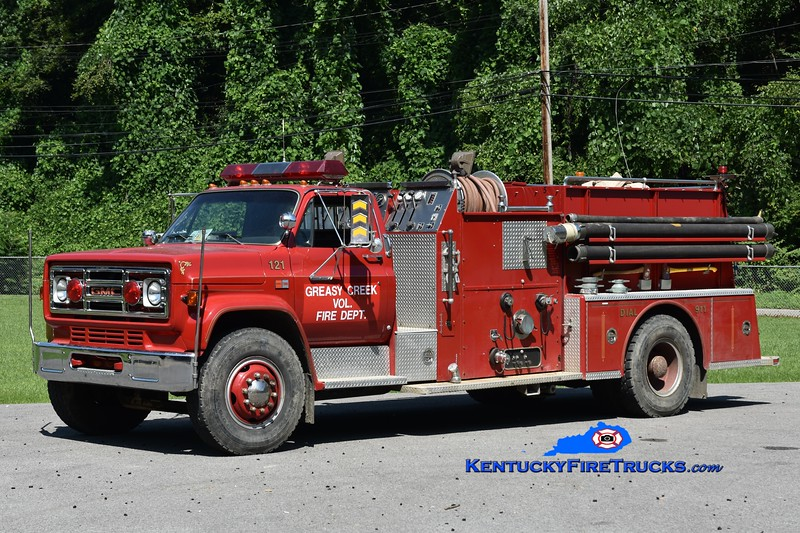 Greasy Creek  Engine 121<br /> x-Meadowview, VA and Blackberry, KY<br /> 1985 GMC 7000/American LaFrance 1000/1000<br /> Greg Stapleton photo
