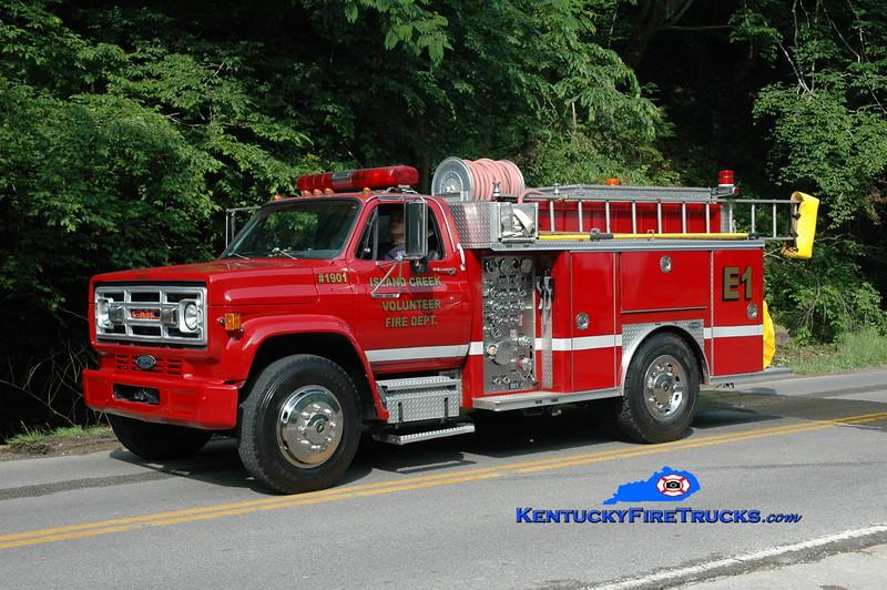 <center> RETIRED <br> Island Creek  Engine 1901  <br> 1990 GMC/E-One 750/750 <br> Greg Stapleton photo </center>