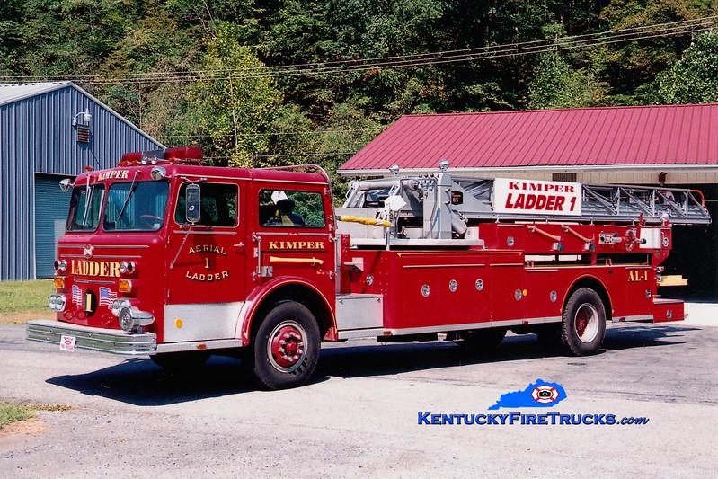 <center> Kimper Ladder 1 <br> x-Jamestown, RI <br> 1971 Maxim F 85' <br> Greg Stapleton photo </center>