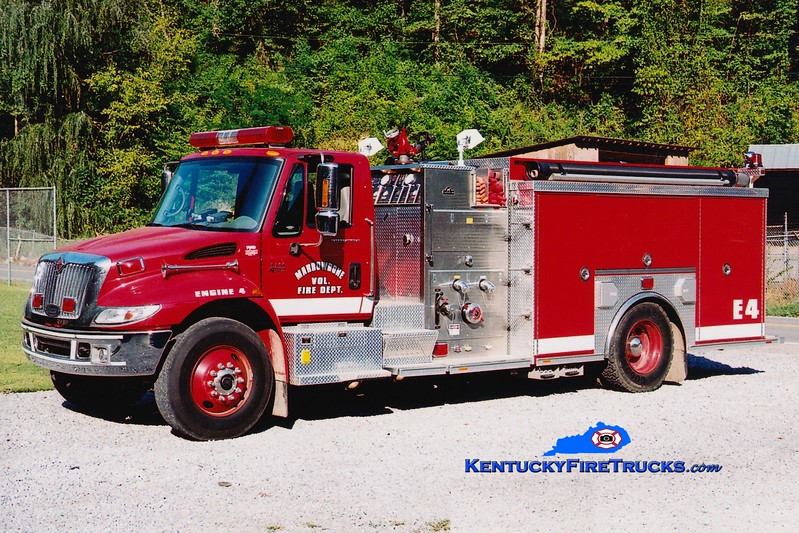 <center> Marrowbone  Engine 4 <br> 2002 International 4400/Luverne 1500/1000  <br> Greg Stapleton photo </center>
