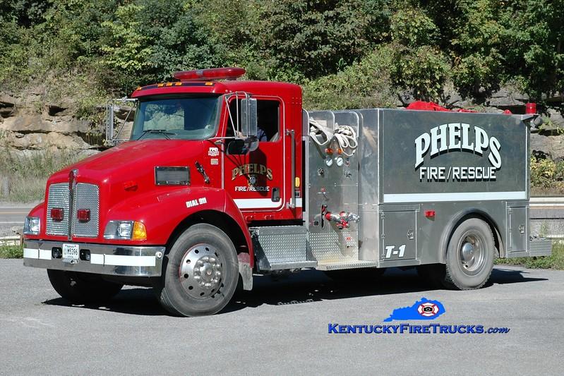 <center> Phelps  Tanker 1  <br> 2004 Kenworth T-300/R&S 250/1500 <br> Greg Stapleton photo </center>