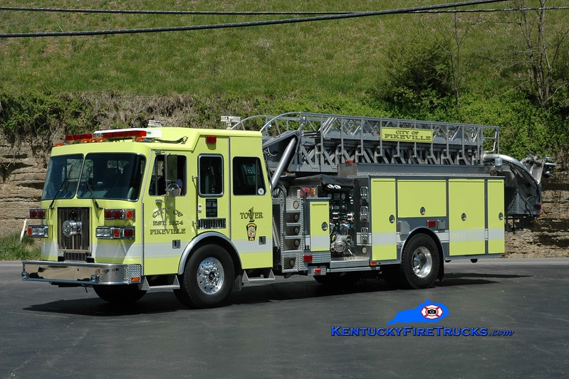 Pikeville  Tower 1<br /> 1999 Sutphen 1500/500/70'<br /> Greg Stapleton photo