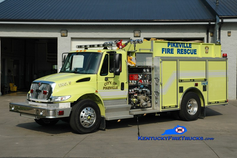<center> Pikeville  Engine 5  <br> 2004 International 4400/Pierce 1500/1000 <br> Greg Stapleton photo </center>