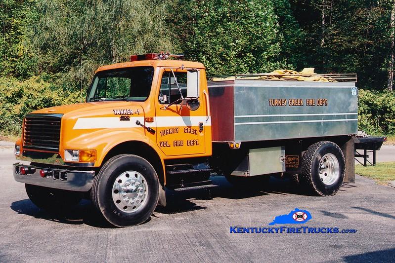 <center> Turkey Creek  Tanker 1 <br> 2000 International 4900/R&S 0/2000 <br> Greg Stapleton photo </center>