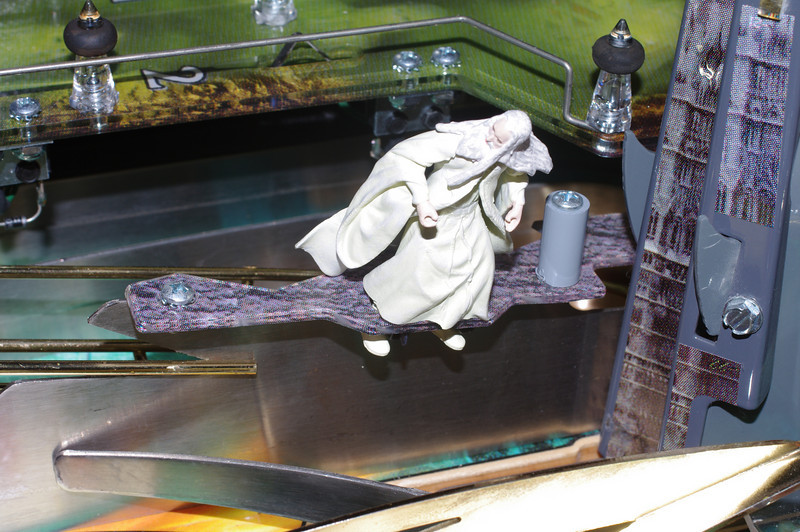 Original Saruman with footholes and cable ties.