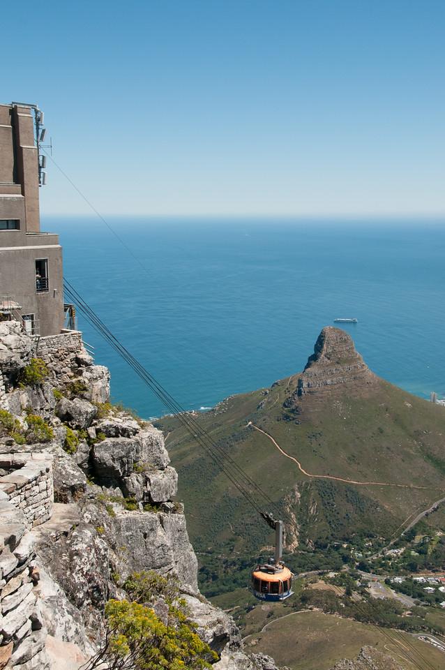 2009-November-27-Cape Town - Table Mountain-26-2