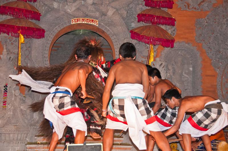 Bali - Legong and Barong (54 of 59)