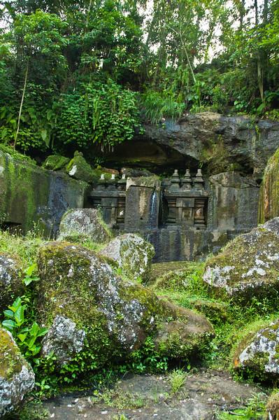 Bali - temple in ravine (6 of 10)