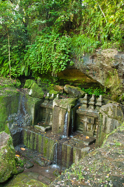 Bali - temple in ravine (4 of 10)