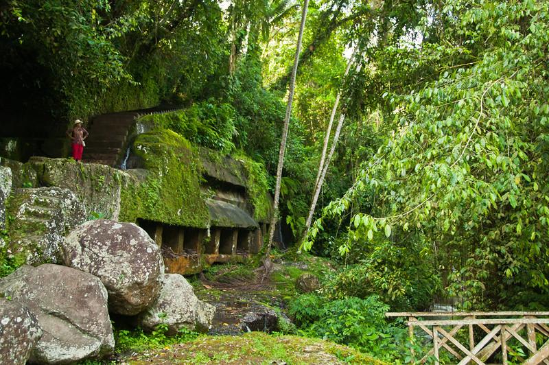 Bali - temple in ravine (7 of 10)