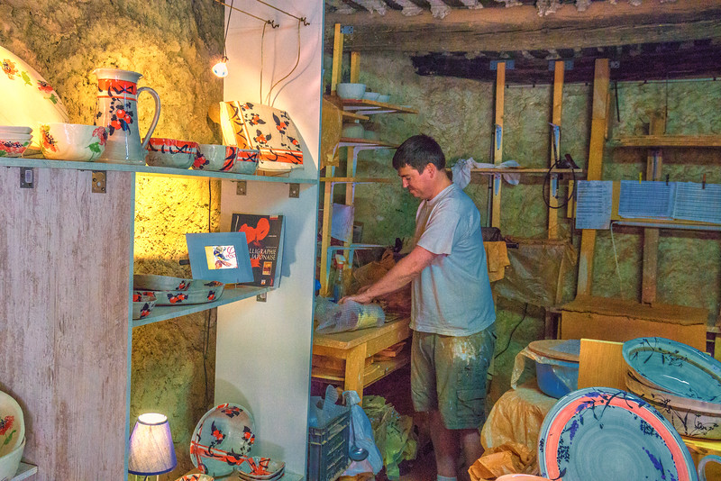 At the pottery, Lussan