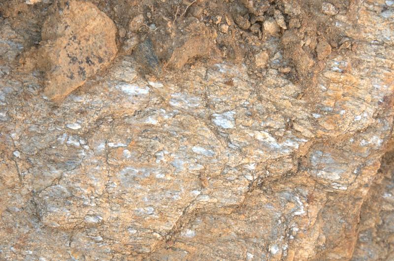 Sillimanite pseudomorphing kyanite - unroofing of migmatite