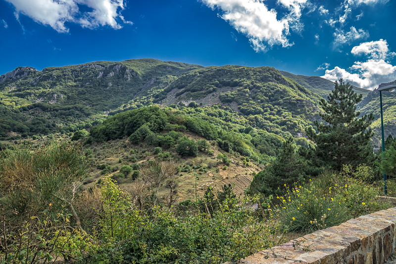 Walking from Geraci Siculo to Pomieri