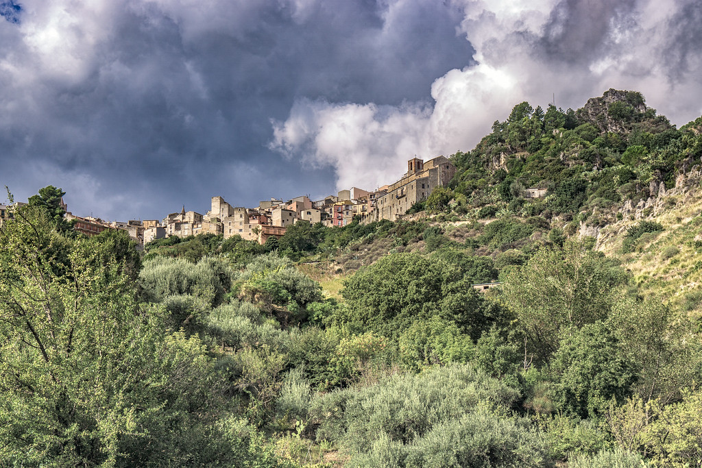 Walking from Isnello to Cefalu