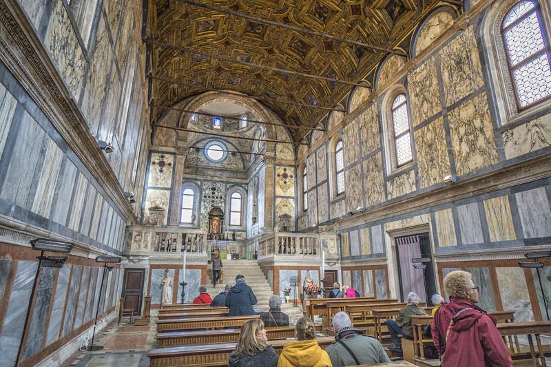 Around  the Chiesa di Santa Maria dei Miracoli