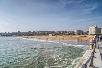 Sunday morning, Santander beach