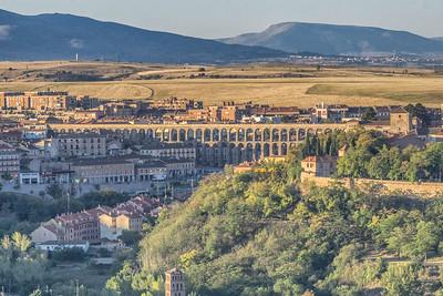 The roman aqueduct from the Parador