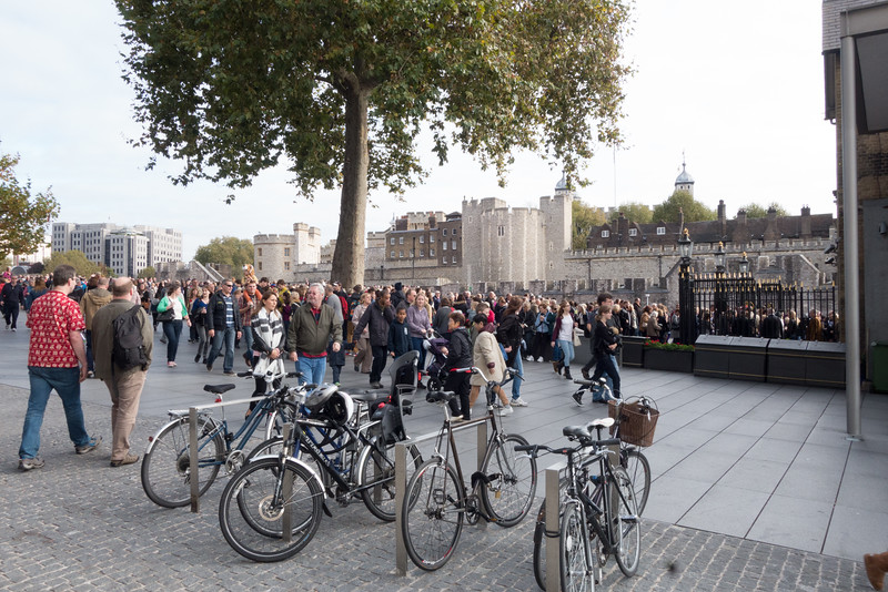 Crowds at the Tower of London