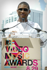 Usher MTV Awards coming to Miami.
