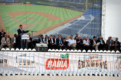 Florida  Marlins_Stadium_Ground_Breaking