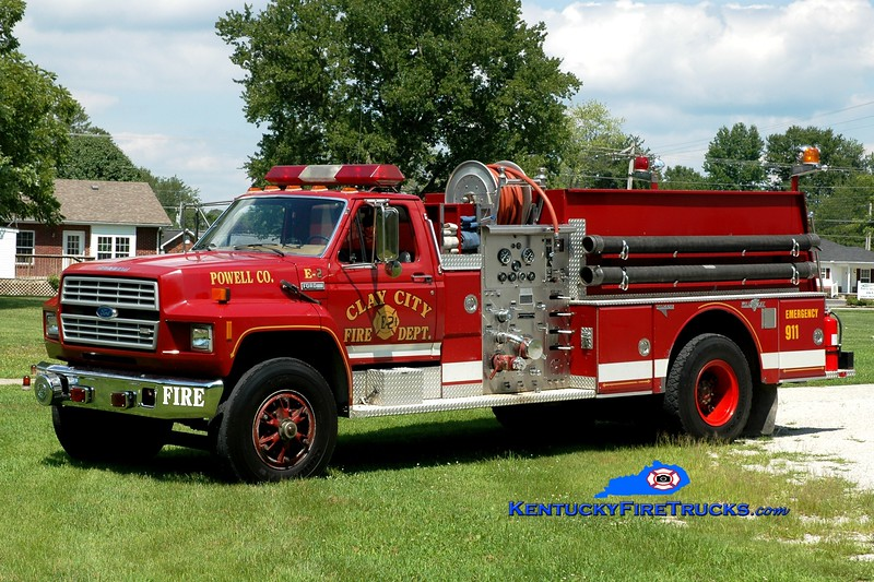 <center> Clay City-Powell County  Engine 22 <br> x-Clark County, KY <br> 1986 Ford F/Grumman 1000/750 <br> Greg Stapleton photo </center>