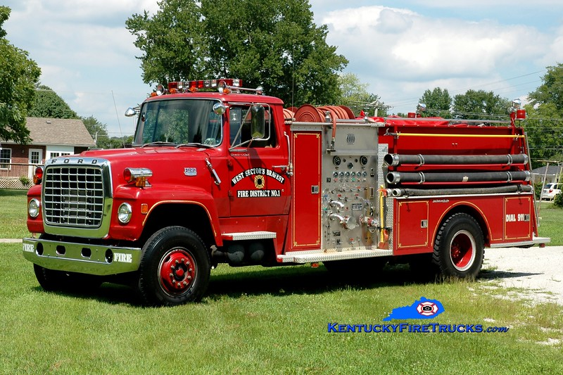 <center> Clay City-Powell County  Engine 23 <br> x-Montgomery County, KY <br> 1977 Ford L/Jaco/1986 Pierce 1000/1200 <br> Greg Stapleton photo </center>