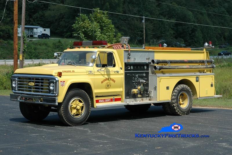 Middlefork  Engine 52<br /> x-Beattyville, KY<br /> 1974 Ford F-800/Pierce 750/750<br /> Greg Stapleton photo