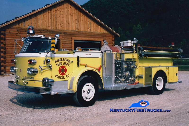 <center> RETIRED <BR> Middle Fork  Engine 2 <br> x-Clayton, DE <br> 1966 American LaFrance 900 Series 1000/800  <br> Greg Stapleton photo </center>