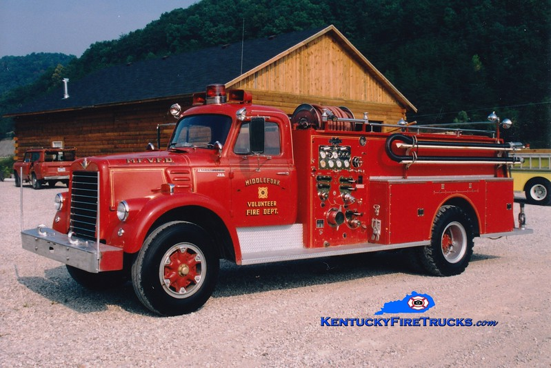 <center> Middle Fork  Engine 1 <br> x-Clay City, KY <br> 1964 International V/Boyer 1000/750  <br> Greg Stapleton photo </center>