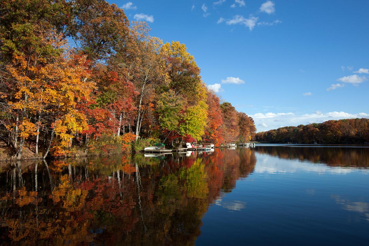 Lake Anne fall foliage